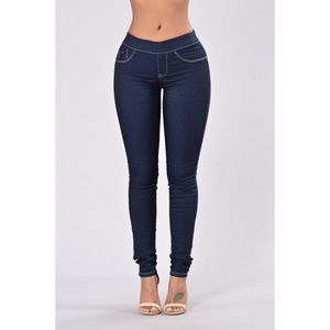 👖 Fashion Nova Midrise Jegging